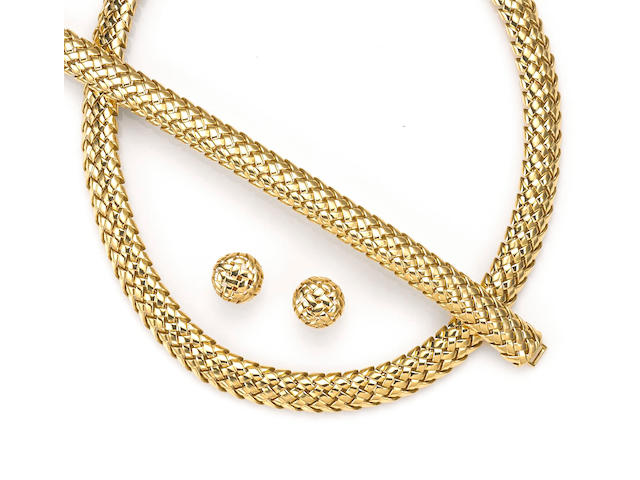 An eighteen karat gold Vanerie necklace together with matching bracelet and button earrings, Tiffany & Co.,