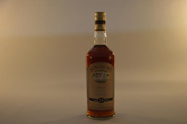 Bowmore 25 years old (1)