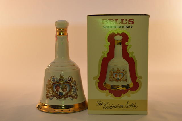 Bell's Decanter- Charles & Diana (1)