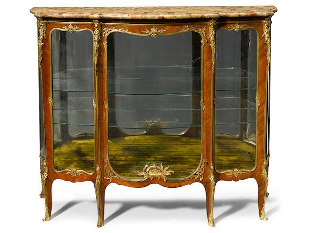 A good quality French gilt bronze mounted kingwood vitrine  François Linke circa 1900