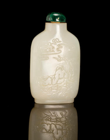 A fine white jade snuff bottle   1750-1850