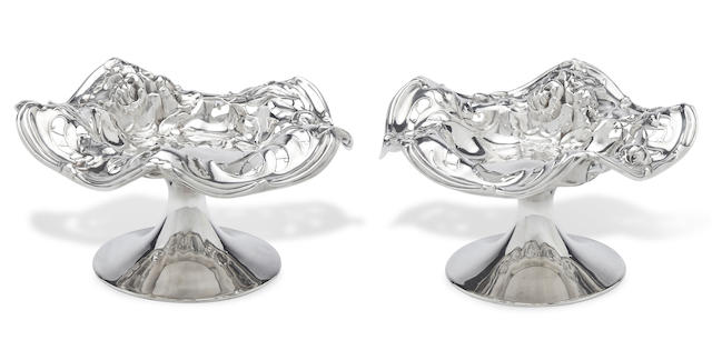 A pair of American sterling silver Art Nouveau style compotes by International Silver Co. Meriden, CT, first half 20th century
