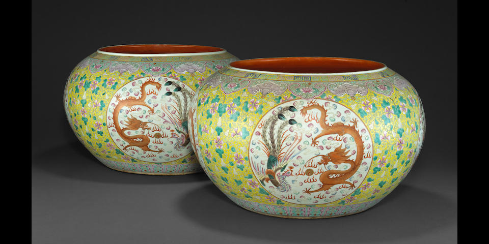 A pair of famille rose and iron red enameled jardinières Late Qing/Republic period