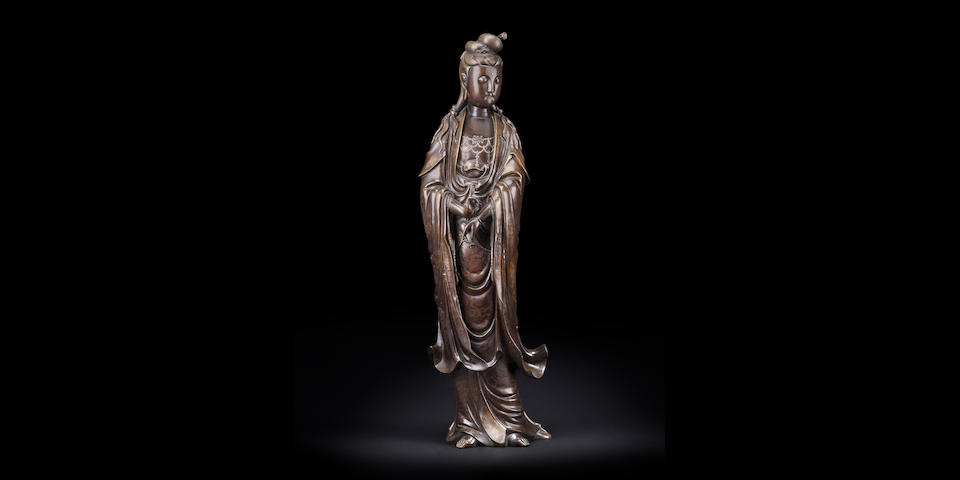 A Monumental Silver Inlaid Bronze Figure of Guanyin Shisou mark, Late Qing/Republic period