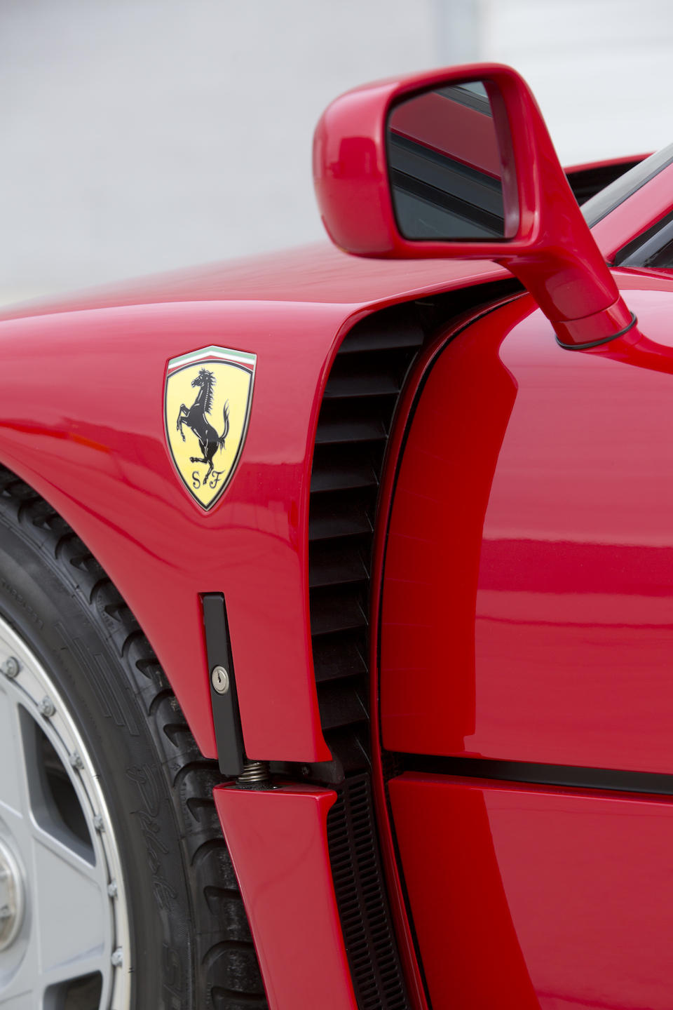 <i>The last US-specification example built</i><br /><b>1992 FERRARI F40  </b><br />VIN. ZFFMN34A1N0093627 <br />Engine no. 31130