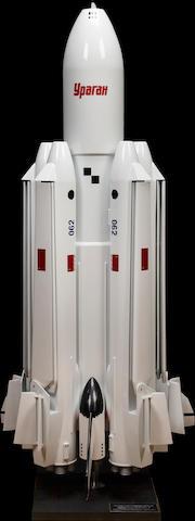 HUGE ENERGIA-2 URAGAN SPACE ROCKET MODEL