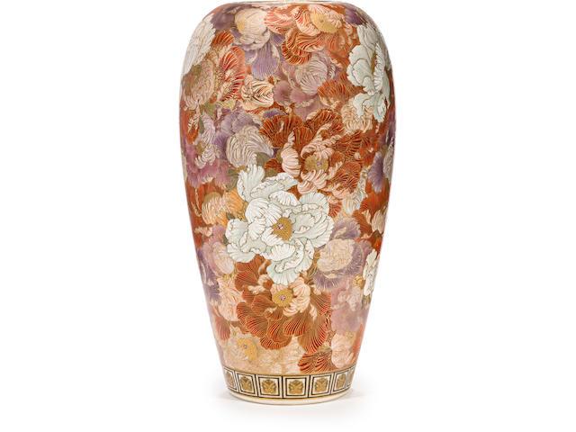 A large Satsuma vase By Yabu Meizan, Taisho era (circa 1918)