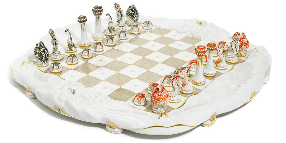 A Meissen porcelain 'Sea Life' chess set  circa 1945