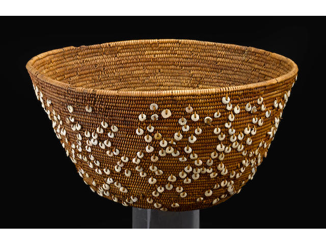 A Costanoan beaded basket