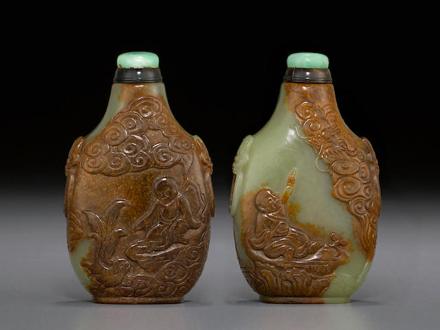 A carved green and russet jade snuff bottle 1720-1820