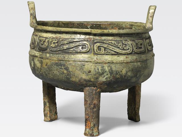 An archaic bronze ritual food vessel, ding Western Zhou dynasty
