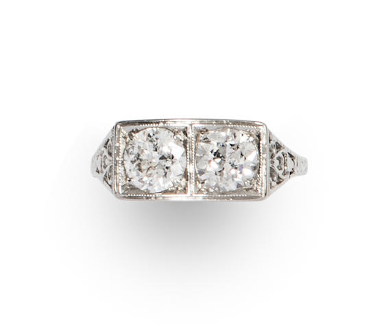 An Art Deco diamond and 18k white gold ring,