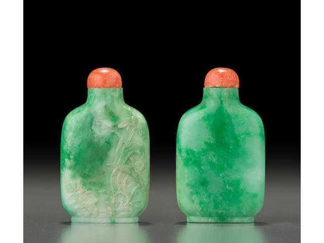 A delicately carved jadeite 'lotus and dragonfly' snuff bottle  1780-1880