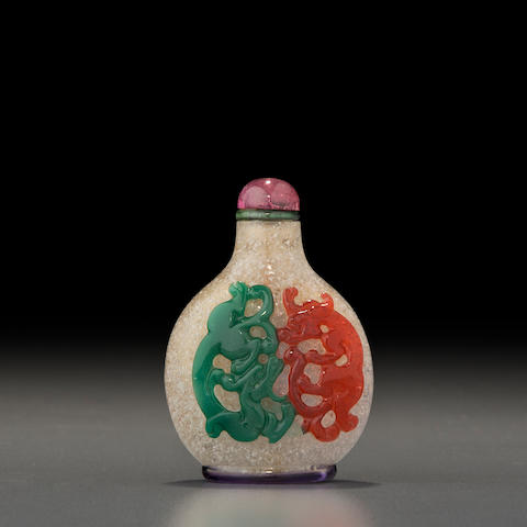 A fine five-color overlay 'chilong' snuff bottle  Probably Imperial, attributed to Palace Workshops, Beijing, 1750-1850