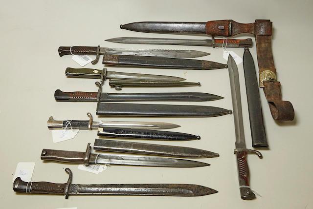A lot of eight German bayonets