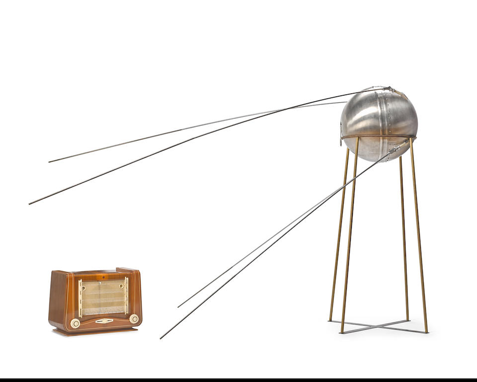 FULL SCALE VINTAGE SPUTNIK-1 EMC/EMI LAB MODEL