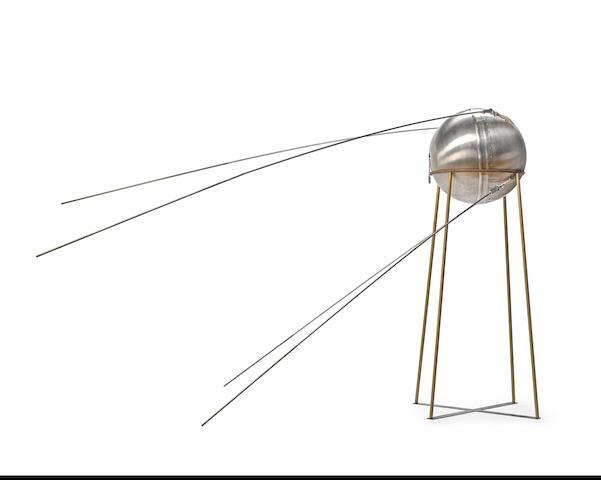 FULL SCALE VINTAGE SPUTNIK-1 EMC/EMI LAB MODEL
