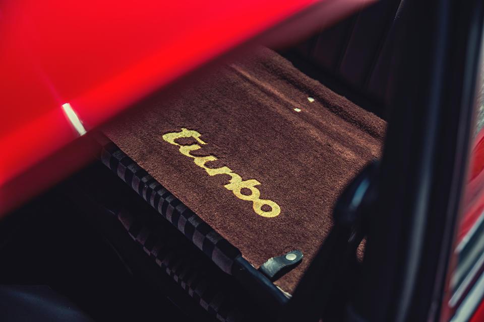 <B>1980 PORSCHE  930 3.3 TURBO COUPE</B>