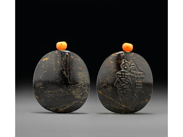 A rare inscribed coconut-shell snuff bottle  1800-1880