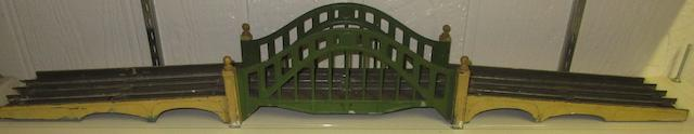 Lionel Standard gauge arched bridge with ramps,