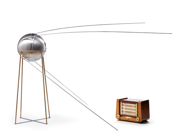 FULL SCALE SPUTNIK-1 EMC/EMI LAB MODEL