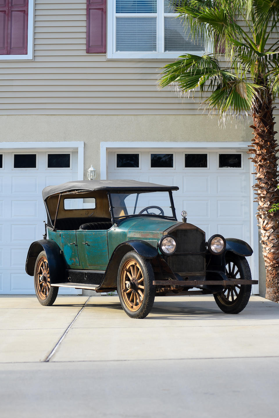 <b>1920 Stearns-Knight L4 Touring</b><br />Chassis no. L9959<br />Engine no. L9959