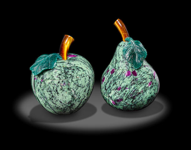 Ruby-zoisite Pear and Apple Jars by Luis Alberto Quispe Aparicio