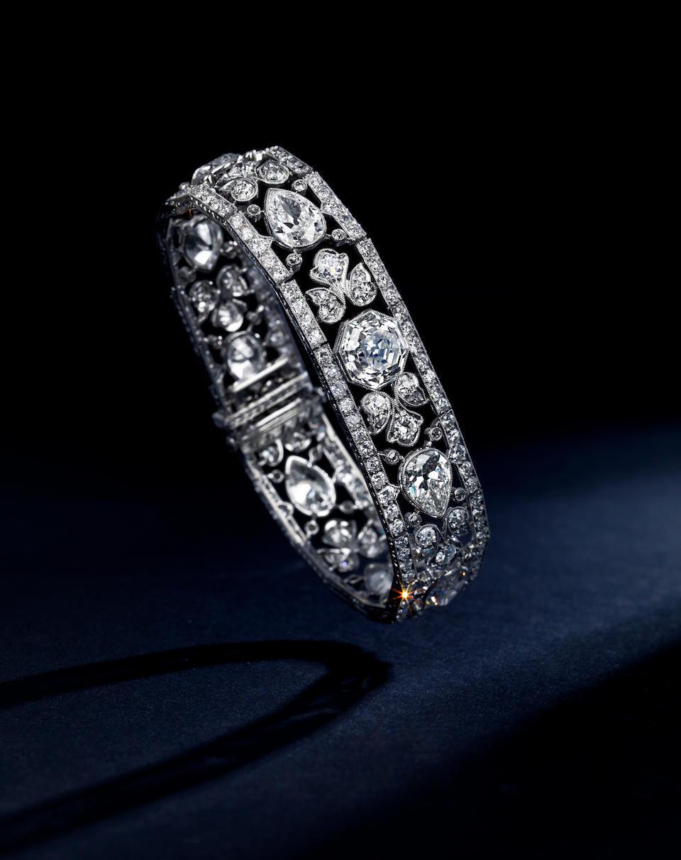 An Exquisite Edwardian diamond bracelet,