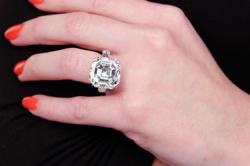 A magnificent diamond ring, Graff