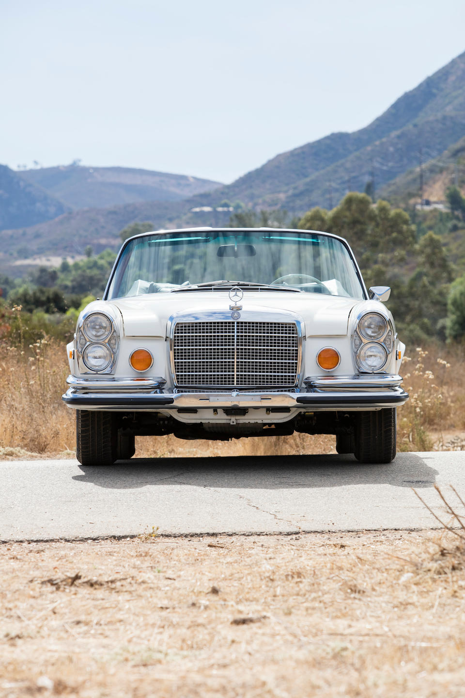 <b>1970 Mercedes-Benz  280SE 3.5 Cabriolet</b><br />Chassis no. 111027.12.000998<br />Engine no. 116980.12.000789