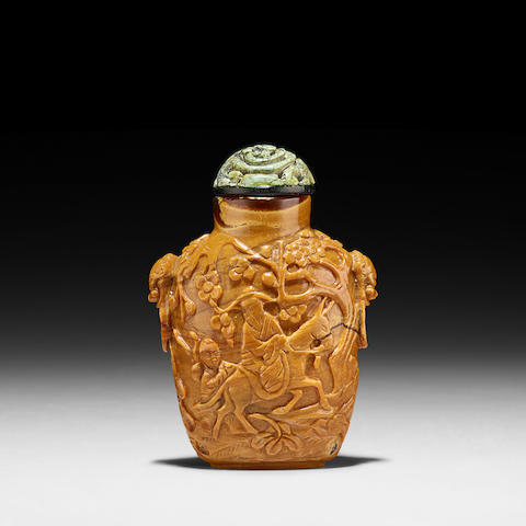 A ROOT AMBER SNUFF BOTTLE 1750-1850