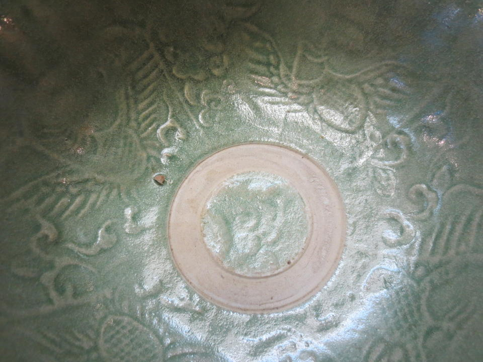 Two green glazed bowls with unglazed stacking rings Tran-Le dynasties, 14th/15th century