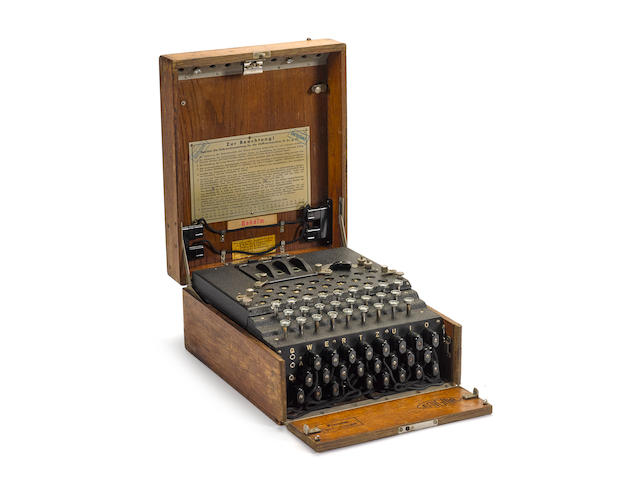 Enigma I machine.