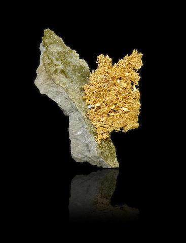 Nevada Crystallized Gold on Matrix