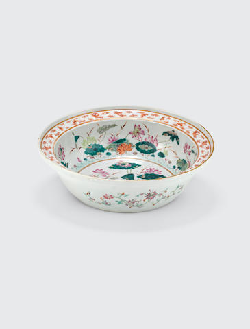 A Large famille-rose basin  Late Qing dynasty