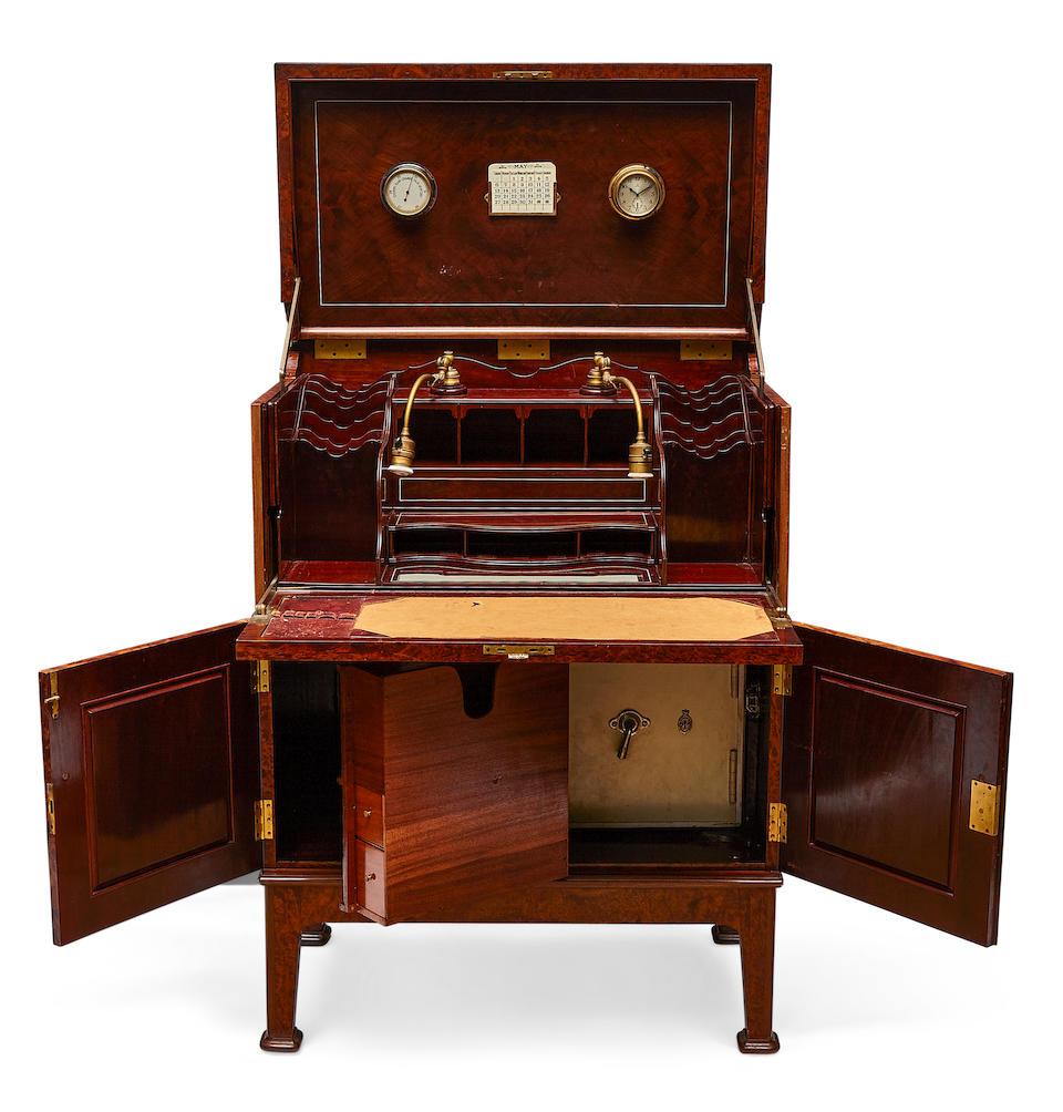 A very good quality Art Deco inlaid thuya desk second quarter 20th century