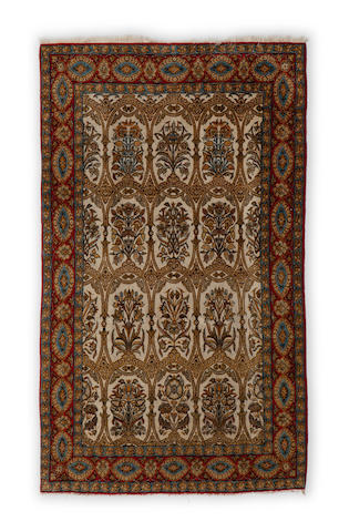 An Isfahan rug Central Persia dimensions approximately 6ft 8in x 4ft 7in (203 x 140cm)