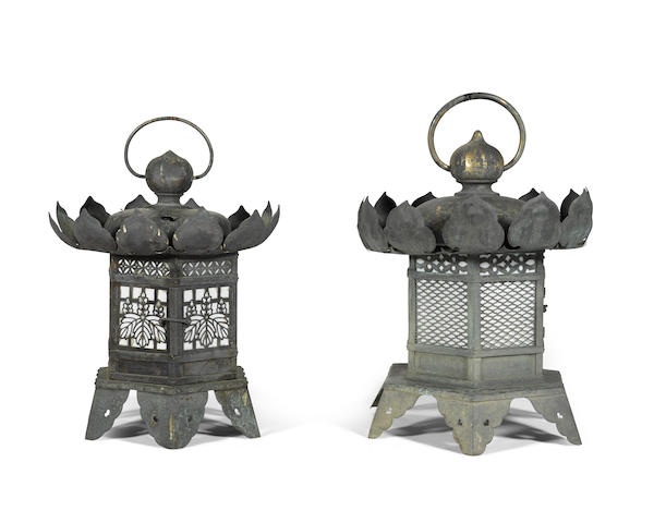 Two bronze temple lanterns (tsuridoro) Edo period