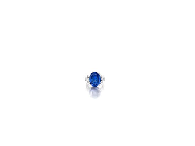 A sapphire and diamond ring, Oscar Heyman