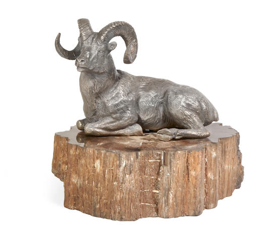 Douglas Van Howd (born 1935) Dall Sheep Ram 11 1/4in high