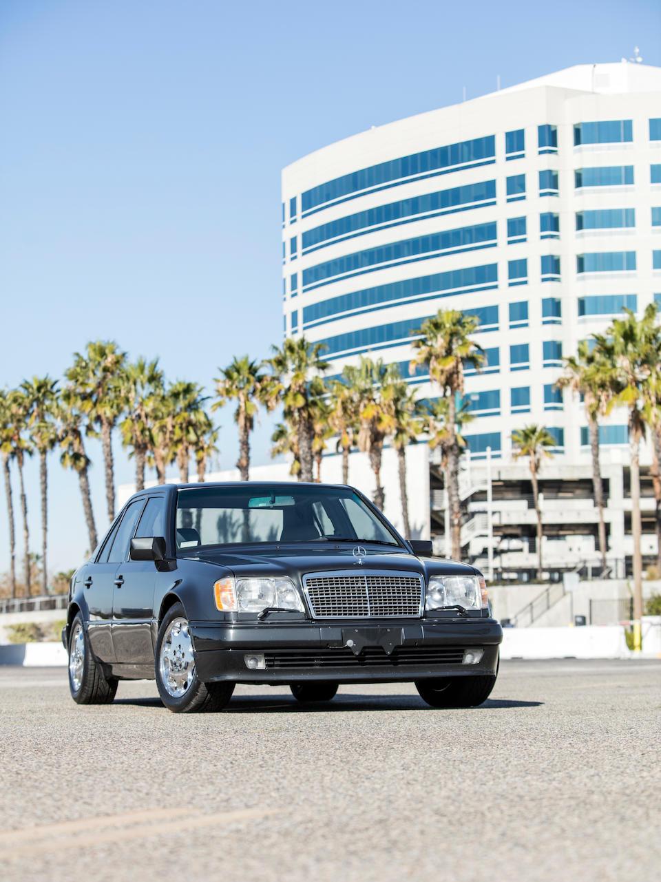 <b>1994 Mercedes-Benz E500</b><br />VIN. WDBEA36E6RC154682