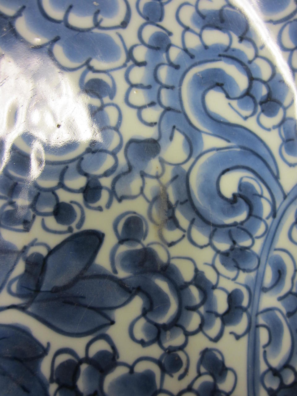 A large blue and white porcelain deep dish Kangxi period