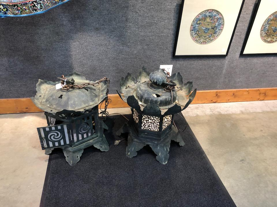 Two bronze temple lanterns (tsuridoro) Edo period