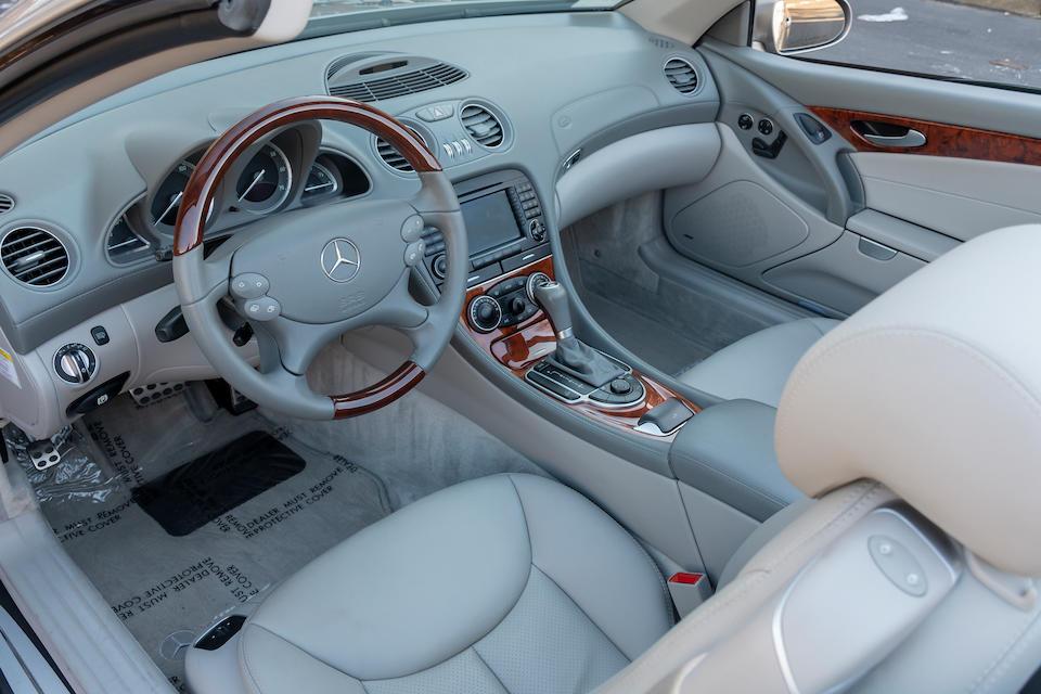 <b>2006 Mercedes-Benz SL500</b><br />VIN. WDBSK75F56F107641
