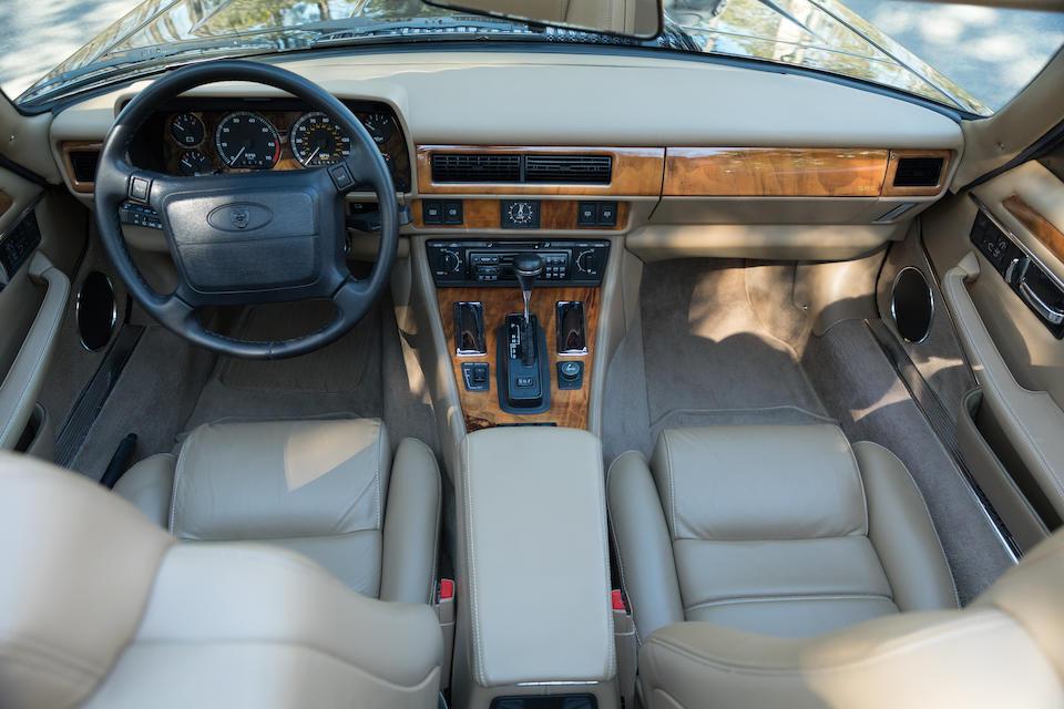 <b>1995 Jaguar XJS 4.0 Convertible</b><br />VIN. SAJNX2741SC199052