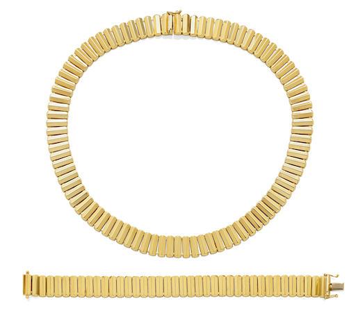 A 14k gold necklace and bracelet set,  Italian