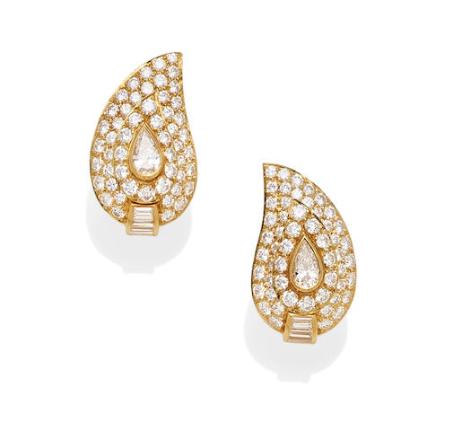 A pair of diamond and 18k gold ear clips,  Van Cleef & Arpels