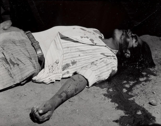 Manuel Alvarez Bravo (1902-2002); Obrero en Huelga Assasinado (Striking Worker Assassinated);