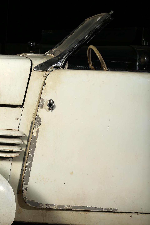 <b>1937 Cord 812SC Phaeton</b><br />Chassis no. 32358H