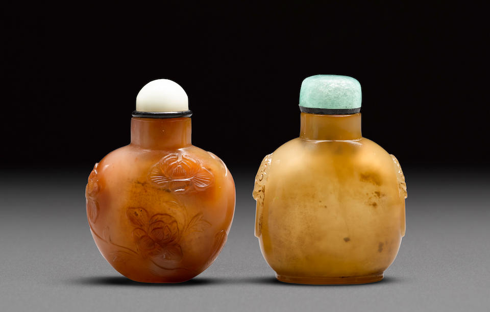 Two agate snuff bottles 19th/early 20th century (2)